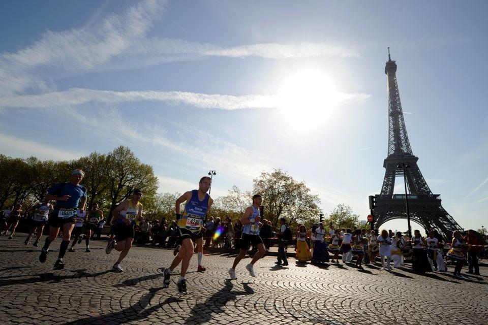 Marathon De Paris 2011 Credit Dppi Aso 050